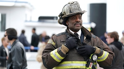 Chicago Fire 06x22 : One for the Ages- Seriesaddict